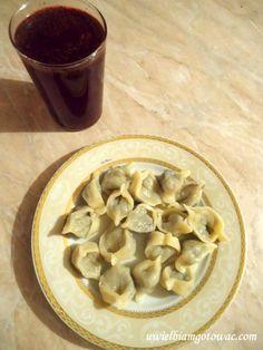 Uszka z grzybami Vegan Recipes, Vegan Food, Tortellini, Stuffed Mushrooms, Vegetables, Polish, Coleslaw Recipes, Christmas Meals, Stuff Mushrooms