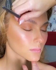 "INBEAUT MAGAZINE on Instagram: ""Makeup @beautybysarah  Model @catnorris_  #inbeautmag"" Eyeliner Looks, How To Apply Eyeliner, Makeup Art, Eye Makeup, Youngblood Cosmetics, Fresh Face Makeup, Eyebrow Game, How To Do Makeup, Eyeliner Tutorial"