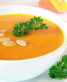 Curried Squash Soup This low-calorie soup packs a filling punch. Try it as a starter or pair it with a green salad for a healthy and satisfying lunch.
