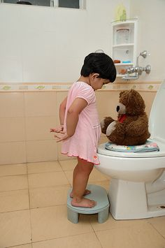 How to potty train your child quickly and easily by following a proven plan