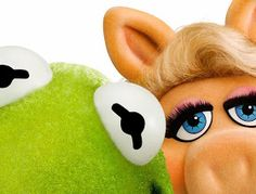 Although they didn't get to host the ceremony, Hollywood icons Kermit the Frog and Miss Piggy will present at the Academy Awards. This will be the Muppets' fifth appearance at the Oscars. Kermit And Miss Piggy, Kermit The Frog, Kermit Face, Ok Kid, Sapo Meme, The Muppet Show, True Love, My Love, Jim Henson