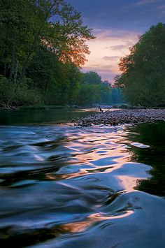 Morning ripples, Missouri, USA, Photo by Robert Charity.