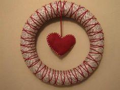diy: yarn wreath- valentine'sedition