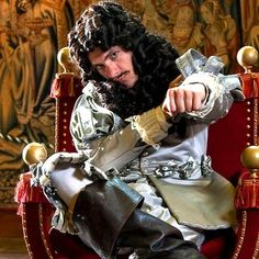 """Mat Baynton as Charles II  """"The king who brought back partying"""" <3 Love me some Horrible Histories <3"""