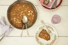 BISCOITÃO DE FRIGIDEIRA, PARA SERVIR QUENTINHO COM UMA COLHER GENEROSA DE SORVETE E UMA CALDINHA DE CHOCOLATE OU CARAMELO, MUITO FÁCIL DE FAZER. Quem gostou dá um UP!!!  http://cakepot.com.br/biscoitao-de-frigideira/