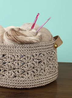 Beachcomber Basket crochet pattern My Second Design Wars Challenge! Crochet Storage, Crochet Hooks, Knit Crochet, Crochet Basket Pattern, Crochet Patterns, Crochet Baskets, Yarn Projects, Crochet Projects, Julie King