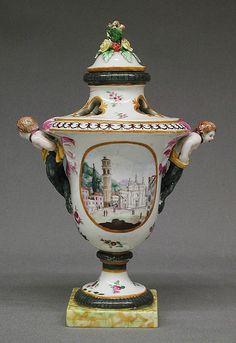 Vase  Nove Porcelain