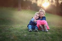 Children Photography Ideas Siblings Toddlers Brother 17 Ideas For 2019 - - Sibling Photo Shoots, Poses Photo, Girl Photo Shoots, Sibling Poses, Brother Sister Photos, Sister Poses, Cute Sister, Children Photography Poses, Toddler Photography