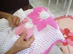 Conclusão: 1/04 passo a passo de como fazer a capa da almofada em crochê - YouTube
