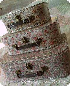 petites valises gigognes d co comptoir du bonheur la boutique mariage et v nements. Black Bedroom Furniture Sets. Home Design Ideas