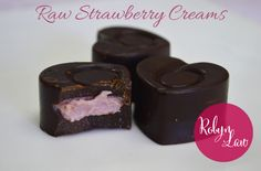 Raw Strawberry Creams - ideal for Valentine's Day {raw food recipe} Raw Vegan Desserts, Raw Vegan Recipes, Vegan Dessert Recipes, Vegan Cake, Vegan Treats, Vegan Foods, Whole Food Recipes, Vegetarian Recipes, Vegan Chocolate