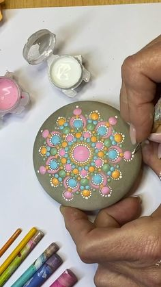 Dot Painting Tools, Dot Art Painting, Rock Painting Designs, Pebble Painting, Painting Patterns, Pebble Art, Stone Painting, Mandala Doodle, Mandala Art Lesson