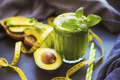 Go green: best green smoothie recipes for weight loss and detox Best Green Smoothie, Green Smoothie Recipes, Smoothie Diet, Smoothies, Dog Treat Recipes, Dog Food Recipes, Strawberry Yogurt Smoothie, Sweet Potatoes For Dogs, Best Homemade Dog Food