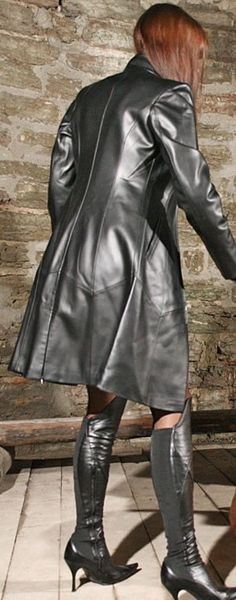 Long Leather Coat, Leather Trench Coat, Leather Skirt, High Boots, High Heels, Leder Outfits, Rain Wear, Raincoat, Lingerie