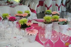 Decoración Torre del Pino en fucsia y pistacho Mayula flores