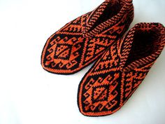knit slippers Orange and Black Traditional by AnatoliaDreams
