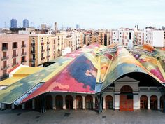 Barcelona non-tourist tips. Enjoy Barcelona off the beaten track. Read on for our tips on how to discover the unknown, 'not for tourists' side of Barcelona! Budapest, Amsterdam, Parks, Destinations, Roof Colors, Roof Design, House Roof, Gaudi, Best Cities