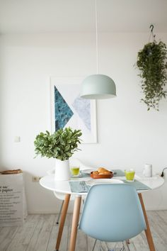 Eames for breakfast. Home Interior Design, Dining Room Design, Dining Room Decor, Small Dining Room Table, Decor, House Interior, Interior, Dining Room Small, Home Decor