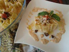 Sole di pasta con melanzane e crema di burrata ai pomodori secchi