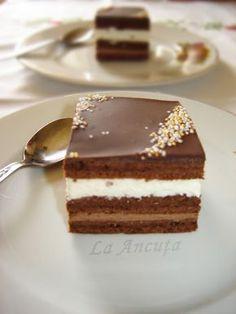 In Ancuta: Chocolate and coconut cake Sweets Recipes, Easy Desserts, Cookie Recipes, Romanian Desserts, Romanian Food, Peach Yogurt Cake, Bulgarian Recipes, Dessert Buffet, Sweet Tarts