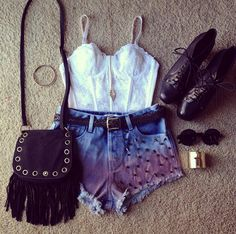 Cute outfit! :)