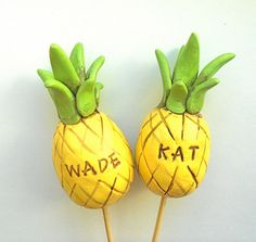 Customized Pineapple Wedding Cake Topper for a Tropical Wedding
