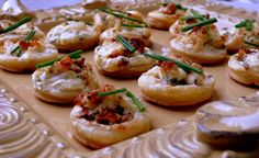 Crab and Chive Puffs.The perfect holiday appetizer. easy and impressive food. Another quick and easy appetizer to make your holiday meal go as smooth as possible. This is the perfect finger-food Quick And Easy Appetizers, Finger Food Appetizers, Appetizers For Party, Finger Foods, Appetizer Recipes, Snack Recipes, Snacks, Cold Appetizers, Seafood Recipes