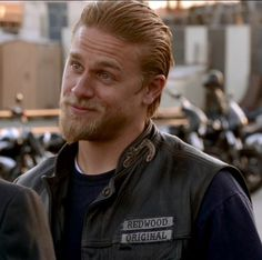 That smirk tho. Charlie Hunnam Soa, Jax Teller, Sons Of Anarchy, Fun At Work, Jackson, Tv Shows, Handsome, People, 3