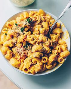 Vegan Corn & Pumpkin Mac 'n Cheese  Print Author: @voilasassi Ingredients 350g pasta 500g hokkaido pumpkin, peeled and cut into chunks 100g cashews, presoaked in water for 3-4h 1 glass/can sweet corn 2 Tbsp nutritional yeast flakes 1 tsp garlic powder ½ tsp paprika 100ml water 1 Tbsp olive oil salt and pepper to …