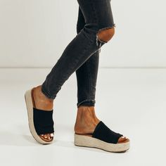 2018 summer sandal platform shoe wedge // shop stevie hender