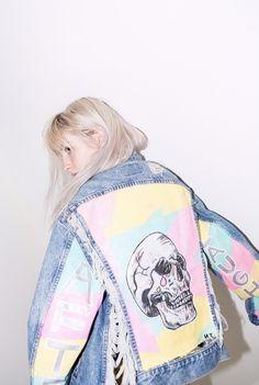 NEW PHOTOS of Hayley wearing a jacket made by Susannah Brittany. Photo by Phoenix Johnson. Paramore Band, Hayley Paramore, Paramore Hayley Williams, Paramore Lyrics, Taylor York, Celebrity Crush, Celebs, Singer, Wattpad