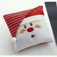 Santa Claus Sewing Patterns and Ideas - Aycan Özenbaş - - Santa Claus Sewing Patterns and Ideas - Aycan ÖzenbaşC de Cici: Eu curti - costura (Natal)Jolly Santa Claus Pillow: Jolly Santa Claus Pillow Get ready for Santa Claus by making this Christ Christmas Makes, Christmas Crafts, Christmas Decorations, Christmas Ornaments, Christmas Ideas, Santa Christmas, Father Christmas, Christmas Inspiration, Beautiful Christmas
