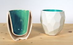 Coffee? Polygons? I'm in! Check out this fairly prices thermal coffee cup! http://www.sanderlorier.com/studio/portfolio/poligon-thermo-cup-lorier/ … -