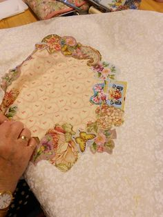 "Supergoof Quilts: De Broderie Perse Workshop"""