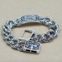 Unique Heavy Thai Silver Cross link Bracelets Men's jewelry Vintage Style about 925 Sterling Silver Bracelet Sterling Silver Cross, Sterling Silver Bracelets, Silver Earrings, 925 Silver, Earrings Uk, Mode Rock, Mens Silver Jewelry, Bracelets For Men, Link Bracelets
