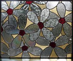 Panneau de vitrail Marguerite par BlueFishStudios sur Etsy