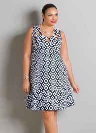 Sport chic feminino plus size ideas Plus Size Work Dresses, Plus Size Outfits, Legging Plus Size, Vestidos Chiffon, Plus Size Fashionista, Silk Chemise, Vestidos Plus Size, Curvy Fashion, Womens Fashion