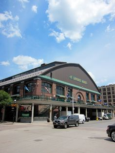 Lawrence Market in Toronto — Well-Designed Travel St Lawrence Market, World's Best Food, Antique Market, Quebec City, New City, Ottawa, National Geographic, Niagara Falls, Montreal