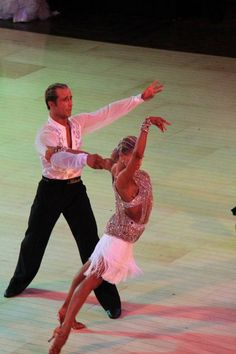 Riccardo and yulia! My FAVORITE Latin couple!! They are AMAZING!!!