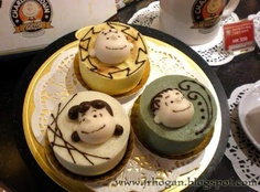 Awesome individual cakes from the Charlie Brown Cafe