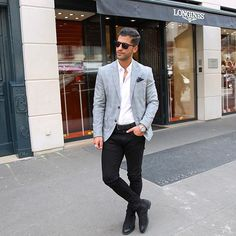 Blazer and black jeans with Chelsea boots Black Jeans Men, Black Jeans Outfit, Blazer With Jeans, Blazer Outfits, Men Blazer, Gray Blazer, Smart Casual, Men Casual, Black Chelsea Boots Outfit