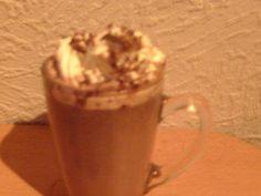 Irisch Chocolate - Rezept  ZUTATEN 750 ml Milch fettarm 0,5 Vanilleschote 150 g Schokolade 70% Kakao 3 EL Zucker oder Honig 80 ml Whisky irsch Sprühsahne