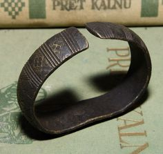 ANCIENT VIKING BRONZE BRACELET WITH ORNAMENT, VERY RARE