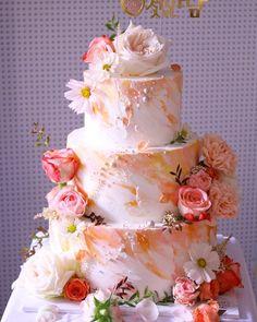 流行最先端!海外で人気のおしゃれウェディングケーキデザイン集 | marry[マリー] Cute Cakes, Sugar And Spice, Wedding Signs, Food Art, Flower Arrangements, Wedding Cakes, Sweets, Weddings, Princess