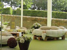 Zona chill out en la boda de Luna y Javi