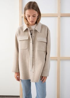 Oversized Wool Blend Workwear Shirt - Oatmeal - Shirts - & Other Stories Wool blend shirt with an oversized boyfriend fit with workwear flap pockets and snap buttons. Sara Foster, Fashion Story, Looks Style, Mode Inspiration, Shirt Jacket, Look Fashion, Vogue Fashion, Korean Fashion, Autumn Fashion