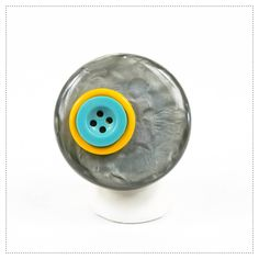 jewel, jewelry DOT 02  hand made adjustable ring with vintage buttons