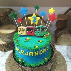 tarta autobuses Birthday Cake, Cupcakes, Desserts, Food, Fondant Cakes, Lolly Cake, Candy Stations, Bus Cake, One Year Birthday