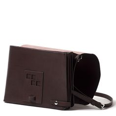 r6-fall2010-bags-accessories-32