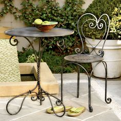 Jardin Table and Chairs